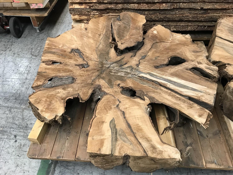 Massivt tr u00e6 og Hårdttr u00e6 tilbydes i hele landet Fra nordiske skove
